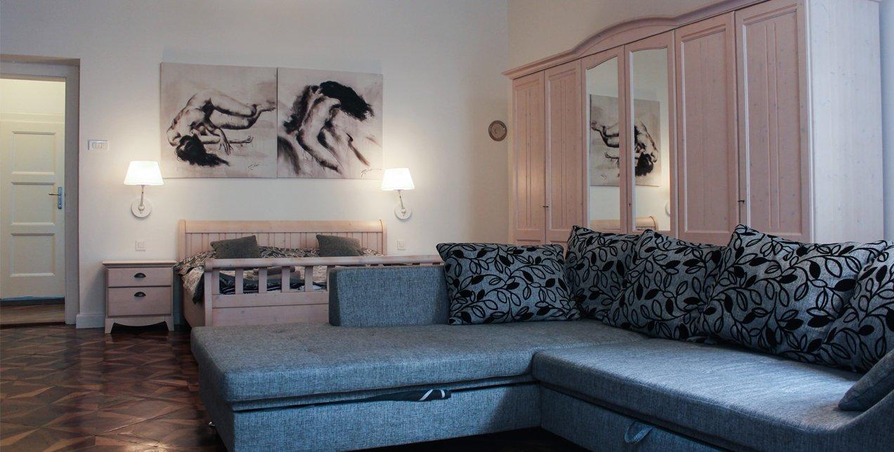 Baroque Apartment featured