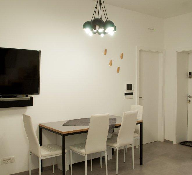 Lachlan studio apartment